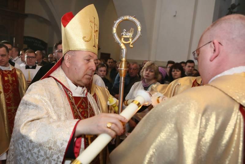 Почему католическая Пасха на месяц раньше в 2021 году