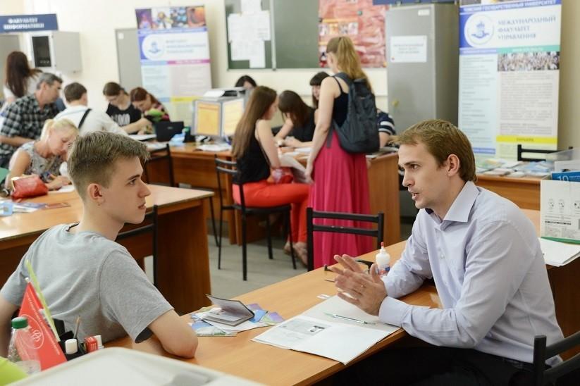 Госдума приняла закон о приоритете на приемы в вузы детей силовиков