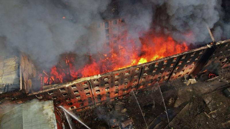 Пожар в «Невской мануфактуре» 6 апреля 2021 года: предварительная причина пожара и последствия