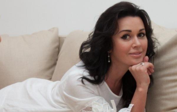 Дочь Анастасии Заворотнюк ответила на вопросы о здоровье мамы