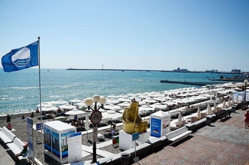 За что пляжи Сочи получили «Голубой флаг» в 2021 году