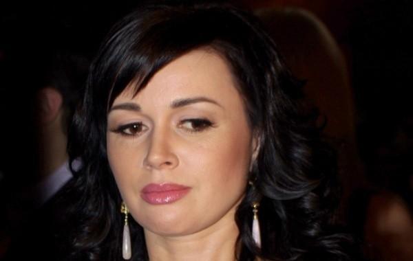 У дочери Анастасии Заворотнюк спросили, жива ли ее мама
