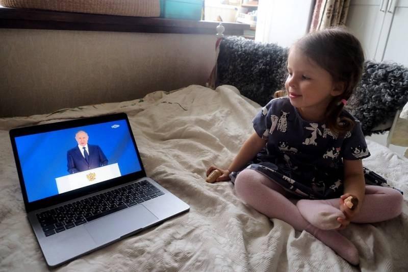 Выплаты в августе 2021 года от Владимира Путина получат около 17 млн российских семей