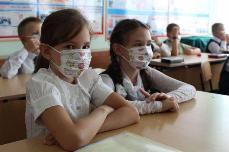 Конец учебного года в 2021 году: продлят ли обучение школьников из-за майских праздников