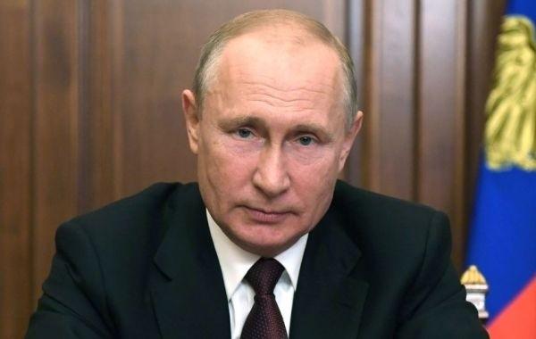 С 1 июля Путин поручил ввести в России новую выплату на детей