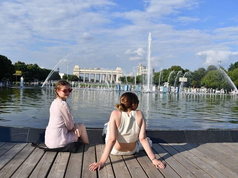 Сколько продолжится жара в России и когда придет настоящее лето
