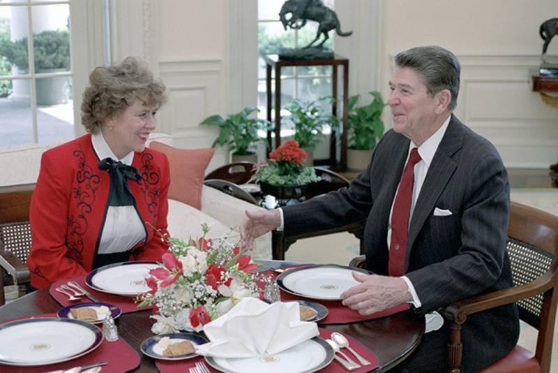 Бывший советник президента США Рейгана Сюзанна Масси попросила гражданства у президента РФ