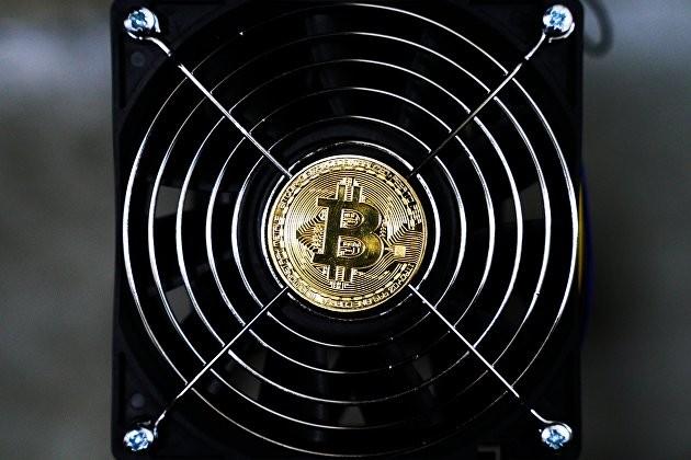 Цена биткоина продолжает падать: что ждет первую криптовалюту мира в 2021 году