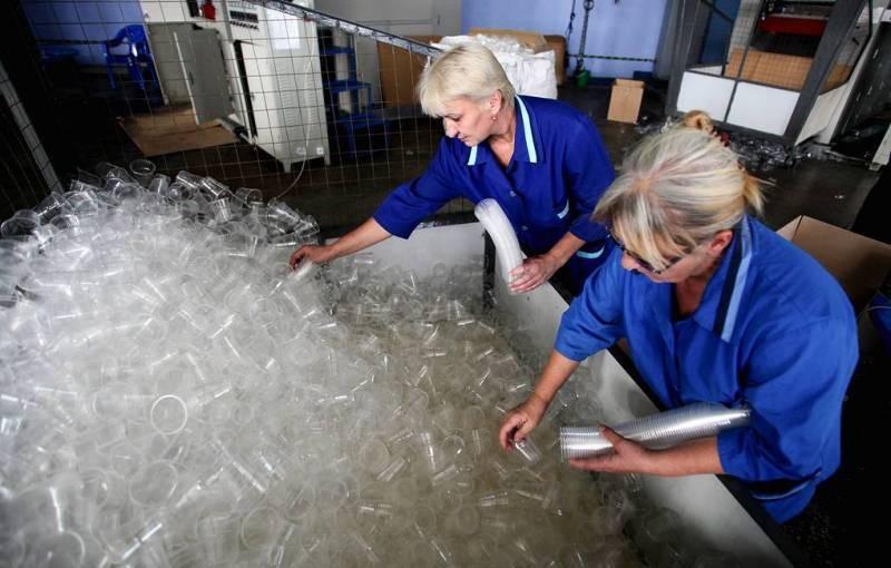 Одноразовая посуда может исчезнуть в России из-за введения запрета