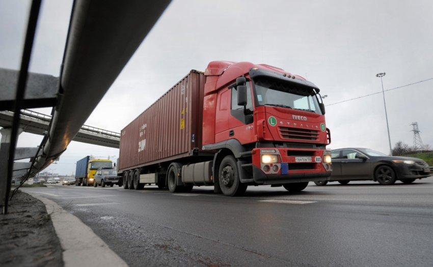Проблемы у поставщиков усложнили доставку продуктов в Москву