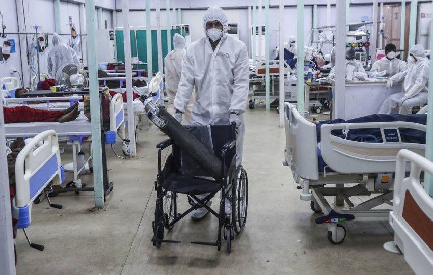 Причиной вспышки эпидемии «черной плесени» в Индии стал коронавирус