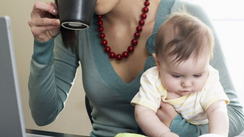 Какие выплаты положены матерям-одиночкам в России в 2021 году