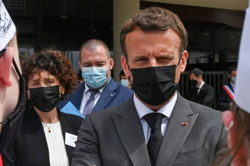 Почему дали пощёчину президенту Франции Эммануэлю Макрону и кого за это накажут