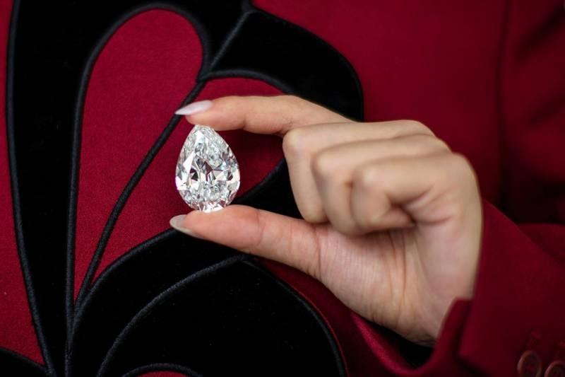 Бриллиант в 102 карата впервые продают за криптовалюту