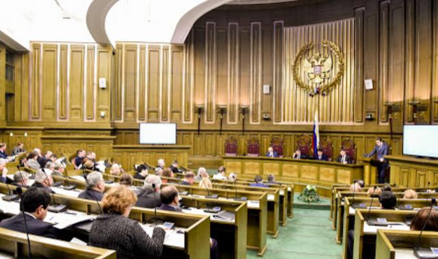 Президент Владимир Путин предложил автоматическое взимание алиментов после развода