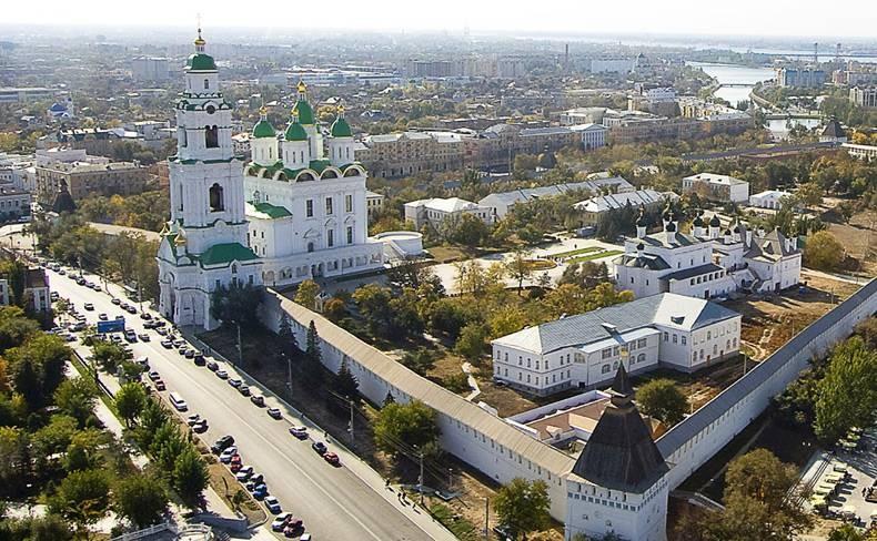 Зов Родины: французский юноша идет пешком в Астрахань, чтобы найти свою семью
