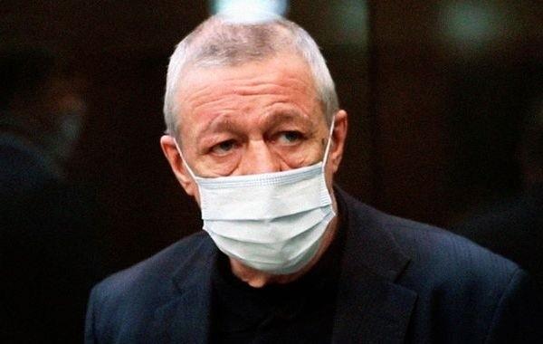 Михаил Ефремов адаптировался к тюрьме