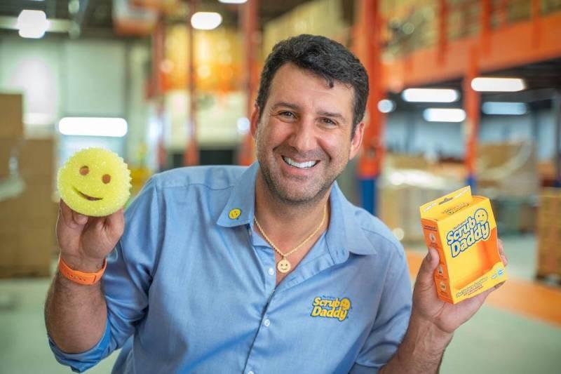 Аарон Крауз, человек, который сумел заработать миллионы на кухонных губках в ХХI веке