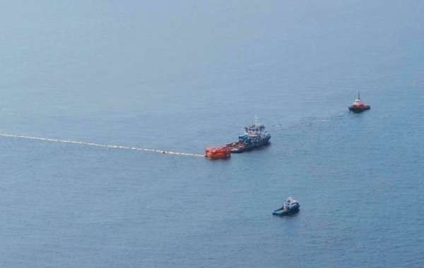 Стало известно, попадет ли нефть на курорты после разлива около Новороссийска