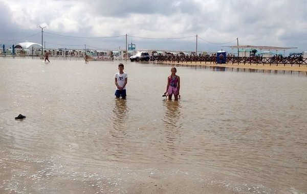 На фоне природных катаклизмов спрос на авиабилеты в Анапу сократился на 20%