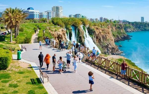 Турецкая Анталья с начала года приняла более 5 миллионов туристов