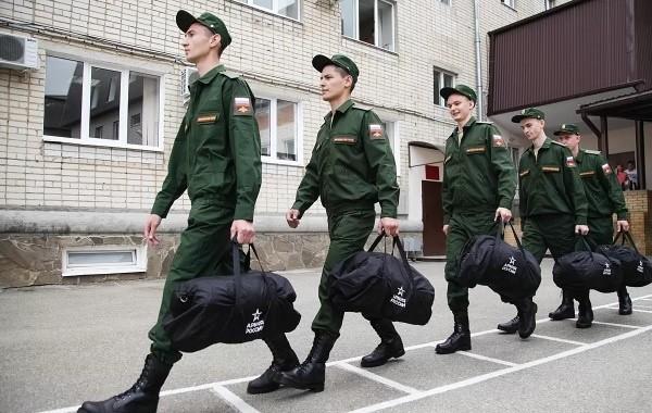 Стали известны сроки выплат военным по 15000 рублей