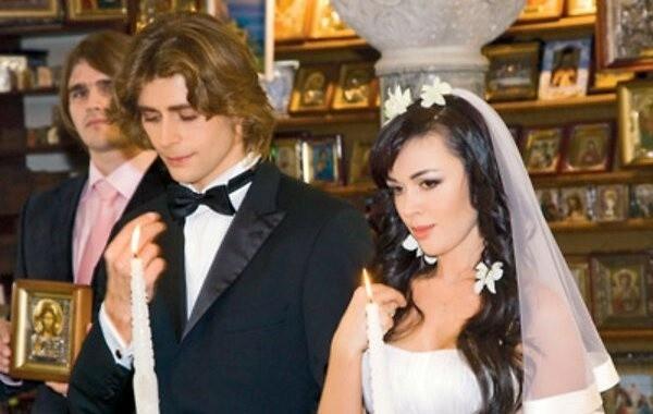 Друзья переживают за самочувствие мужа Заворотнюк