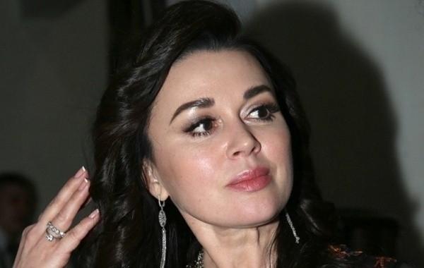 Состояние актрисы Анастасии Заворотнюк остается без значительных изменений