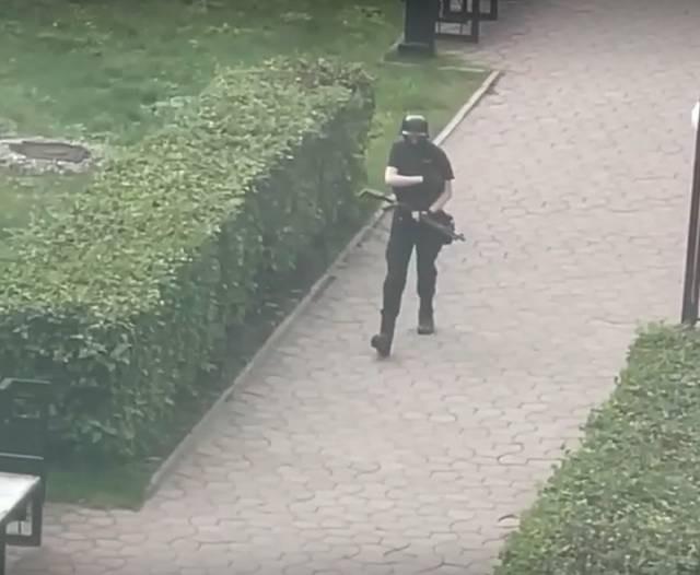 В Пермском вузе произошла стрельба: есть жертвы, студенты спасались бегством через окно