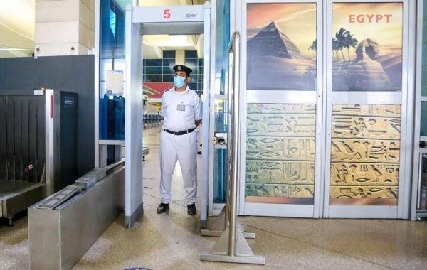 """Египет одобрил российскую вакцину """"Спутник Лайт"""""""