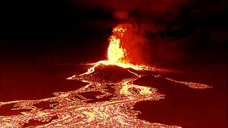 Апокалипсис на Канарах: вулкана на острове Ла-Пальма перешел во взрывную фазу