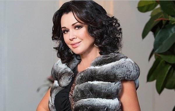 Дочь Анастасии Заворотнюк создала новый информационный повод