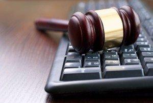 В Кыргызстане до сих пор есть судьи, не владеющие компьютером