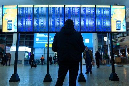 Украина запретила любое авиасообщение с Россией