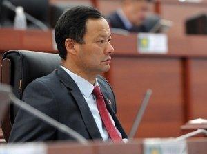Депутат ЖК Р. Казакбаев: Страны ЕАЭС требуют от нас, чтобы госдолг КР не превышал 50% к ВВП