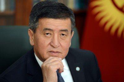 Президент поздравил кыргызстанцев с Днем труда