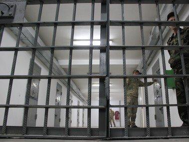 Сотрудники тюрем Кыргызстана будут ходить с видеорегистраторами