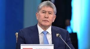 Алмазбек Атамбаев остается в активной политике