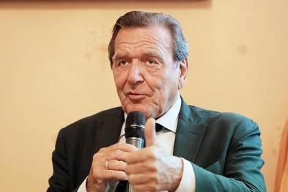 Бывший канцлер Германии назвал Крым российским