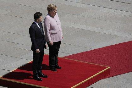 Зеленского осудили за равнодушие к Меркель